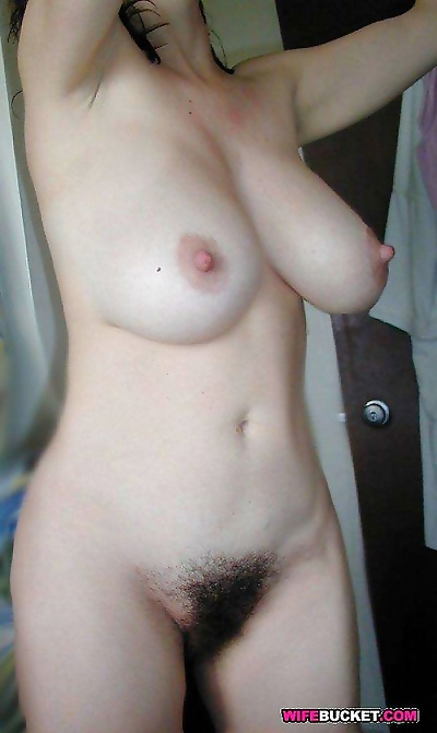 Nude amateur wives fucking..